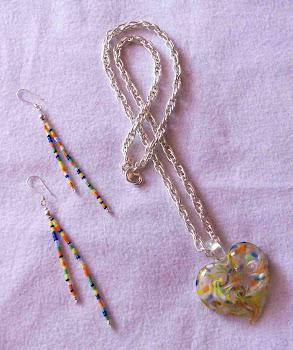 Collar pendiente corazón de colores y aretes de plata 950  Cod 2334  S/ 55.00 Nuevos soles