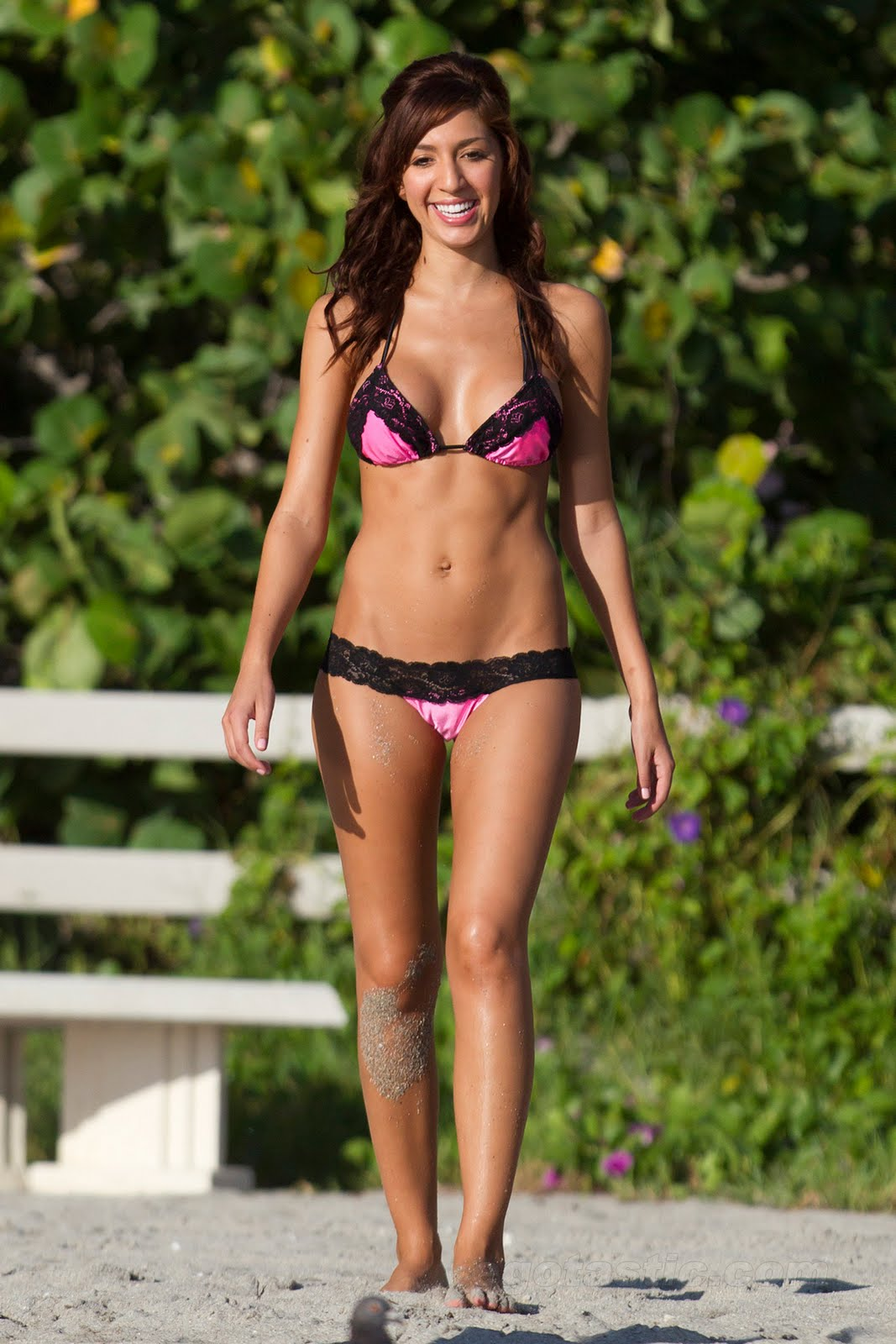 bikini bodies between farrah abraham who we saw in a different little