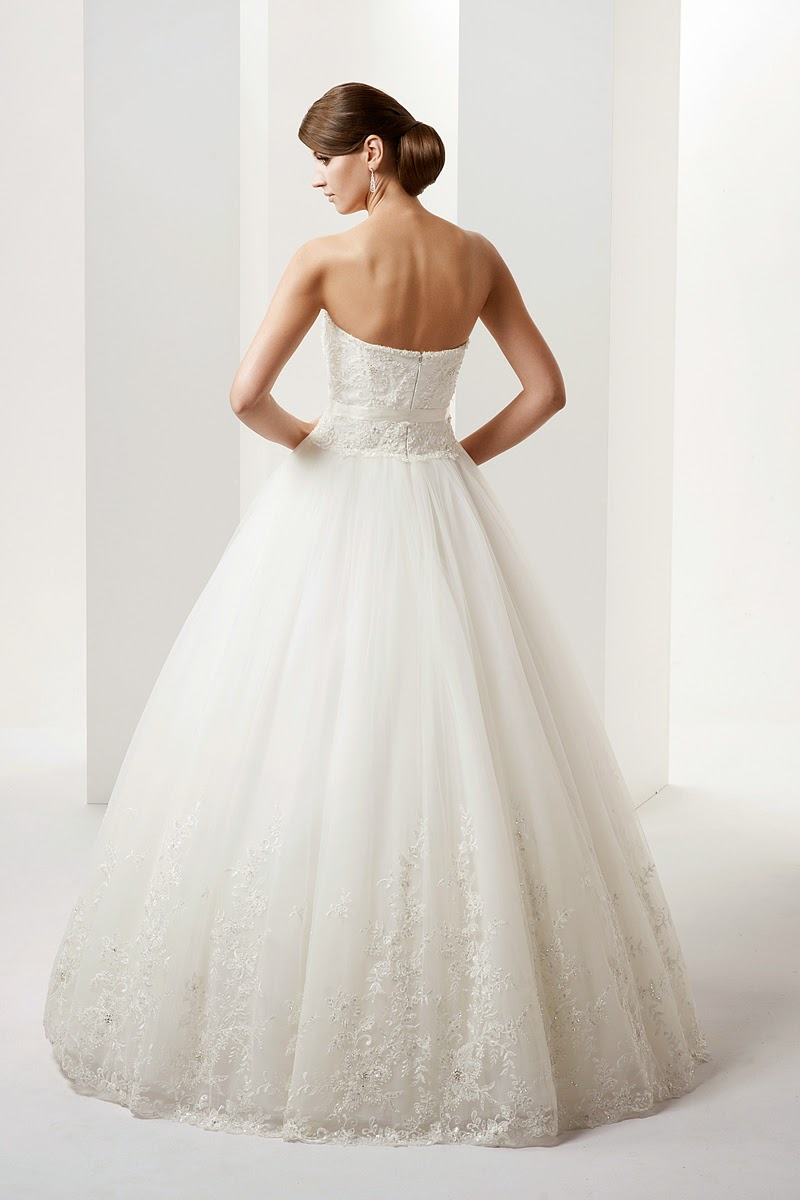 Salon Sukien ślubnych Suknia ślubna Firmy Gala 2014 Model Gemma