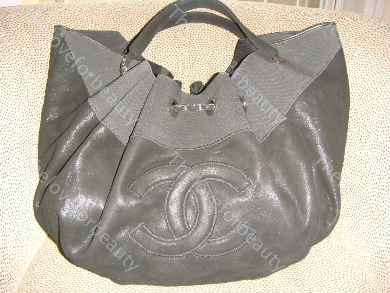 http://3.bp.blogspot.com/-SHTCDbPb62g/T9x0IXRwvMI/AAAAAAAATp0/sELtm2D6btM/s1600/Chanel+designer+handbags+%252816%2529.jpg