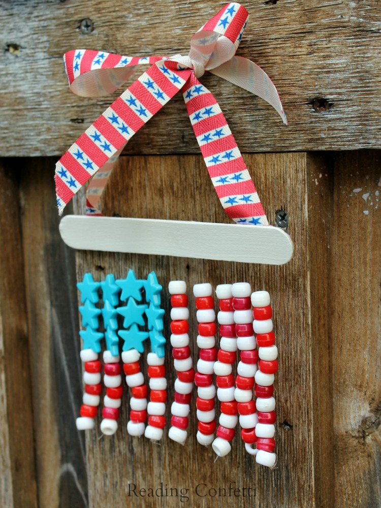 Pony bead american flag reading confetti for Bead craft for kids