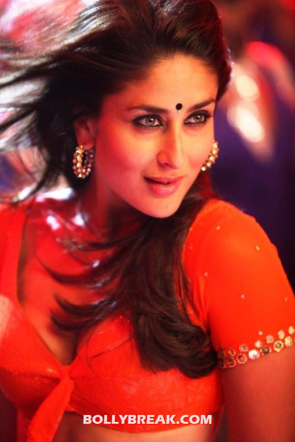 Kareena Kapoor Hot Halkat Jawani - Kareena Kapoor Red Hot Halkat Jawani still