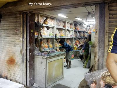 Ganesh Charurthi statue shop in Mumbai