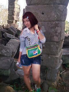 Ny Ya facebook girl the student study at Norton University 2