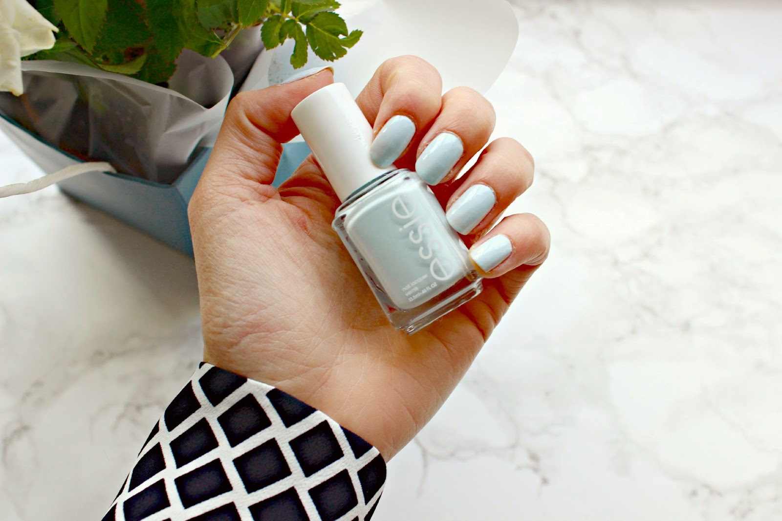 Mani Monday // Essie Spring Favourites - Fashion Mumblr