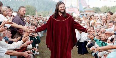10 Orang di Dunia Yang Mengaku Sebagai Tuhan
