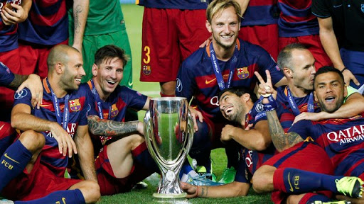 Barcelona é eleito o melhor clube de 2015 pelo IFFHS.