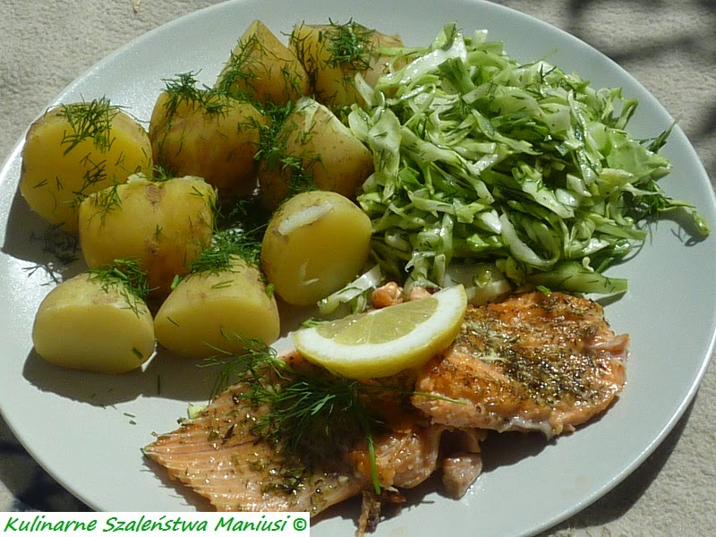 Ryba z ziemniakami i surówką :-)