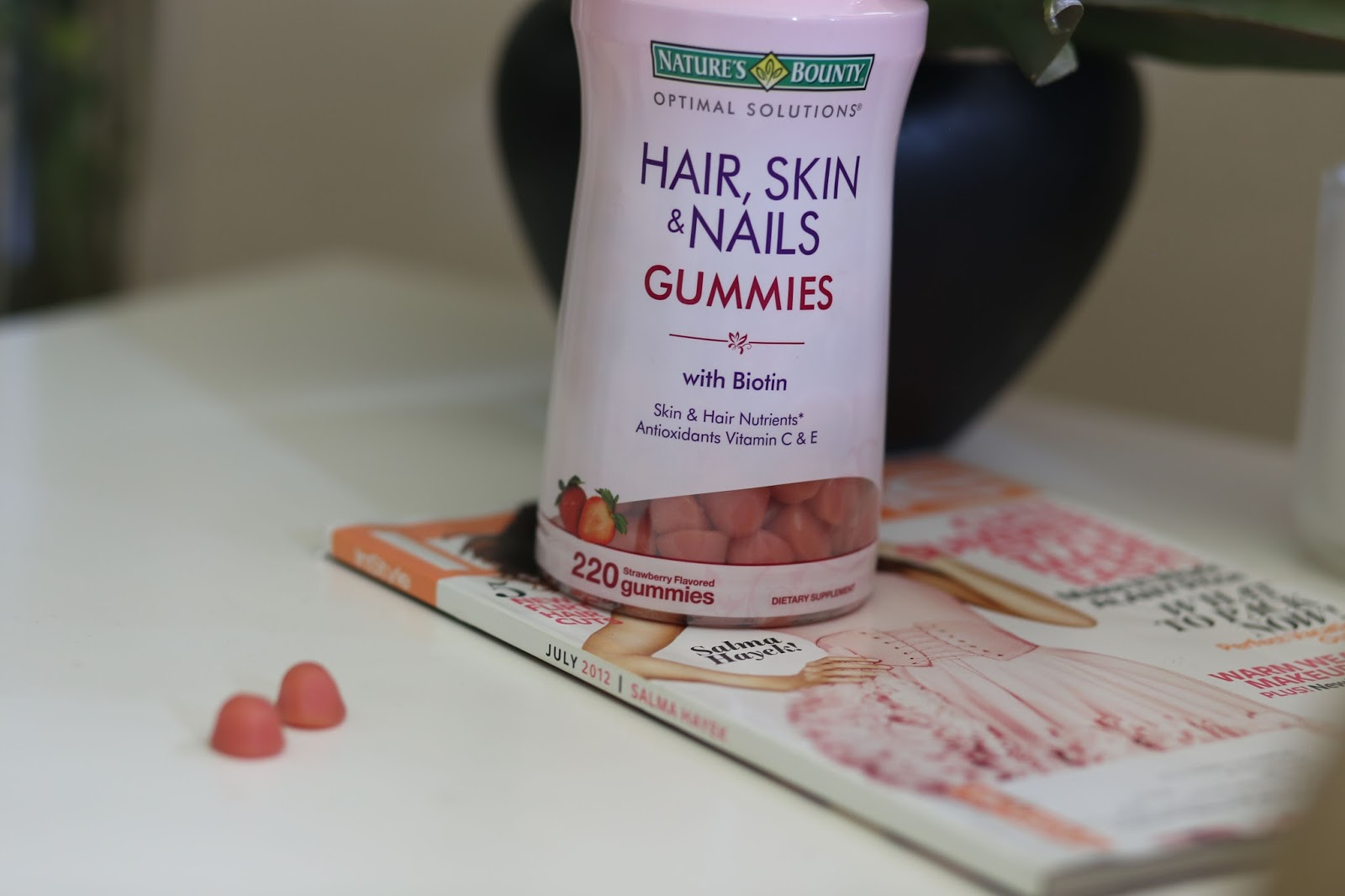 New In | Nature\'s Bounty Hair, Skin & Nails gummies | BELLEMOCHA.com