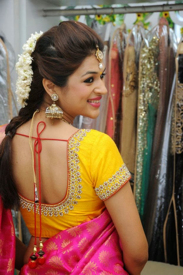 shraddha hot backless blouse photo