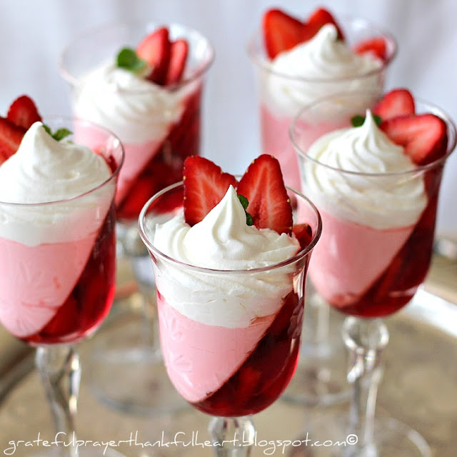 JELL-O Strawberry Parfaits