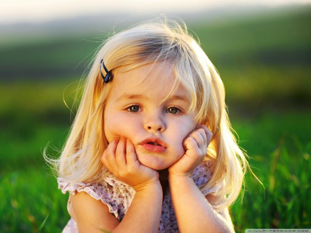 http://3.bp.blogspot.com/-SJJ1CM2dbZ4/UPmcwFSaHoI/AAAAAAAAGz4/DQVlEoKr4E4/s1600/cute_baby_girl-wallpaper-1024x768.jpg