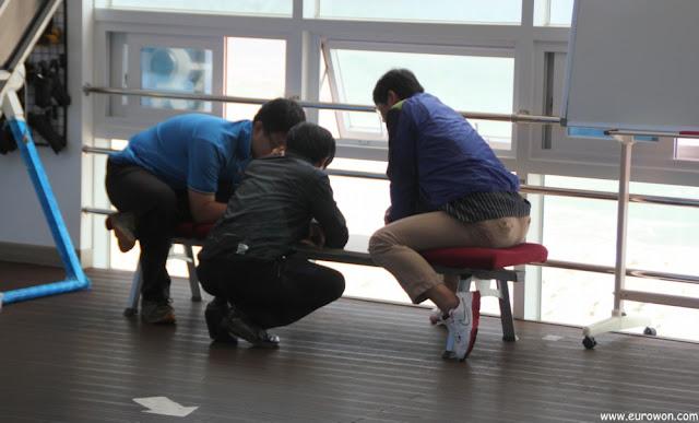Coreanos jugando al Anipang