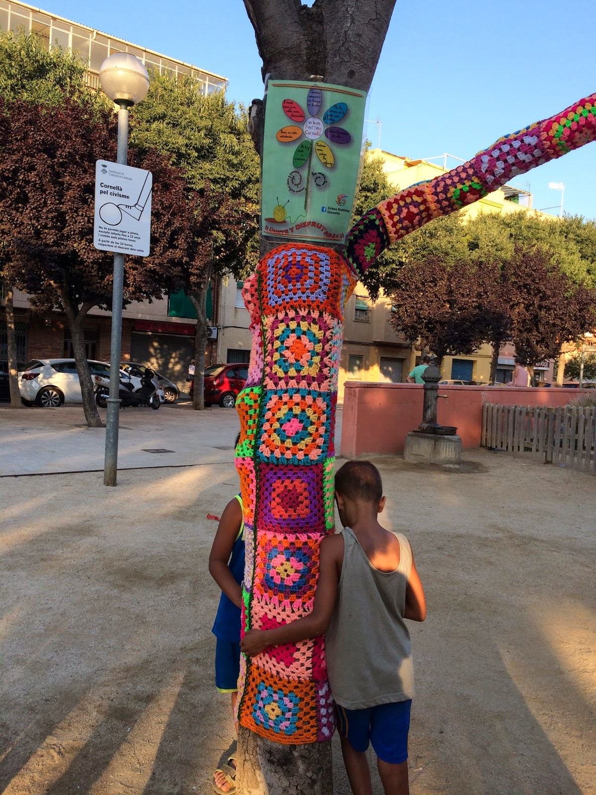 Urban knitting cornell for Correos cornella