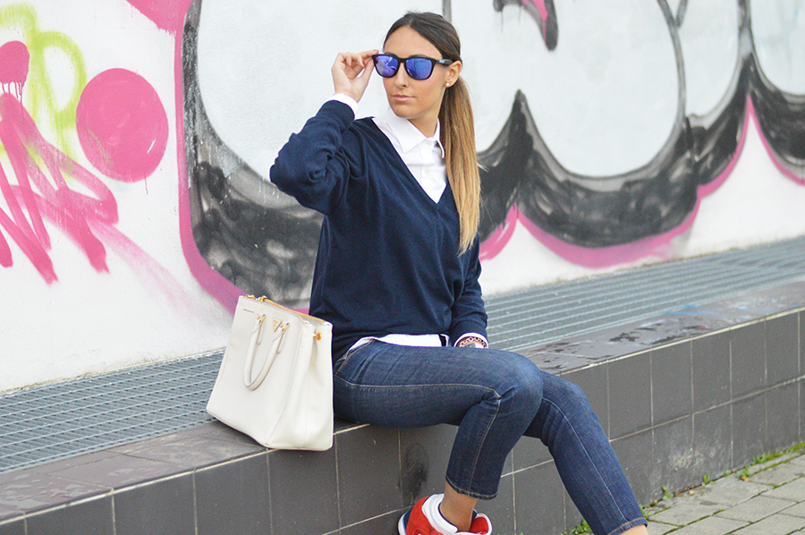 Dsquared2 jeans, adidas sneakers, abbinare le sneakers, sneakers con la zeppa, sneakers con la zeppa adidas, frogskins sunglasses, frogskins mirrored sunglasses, white shirt, camicia bianca outfit, camicia bianca look, sneakers con la zeppa outfit, sneakers con la zeppa look, look of the day, outfit sportivi, sporty look, sporty outfit, fashion blogger, top fashion blogger, top fashion blogger italiane