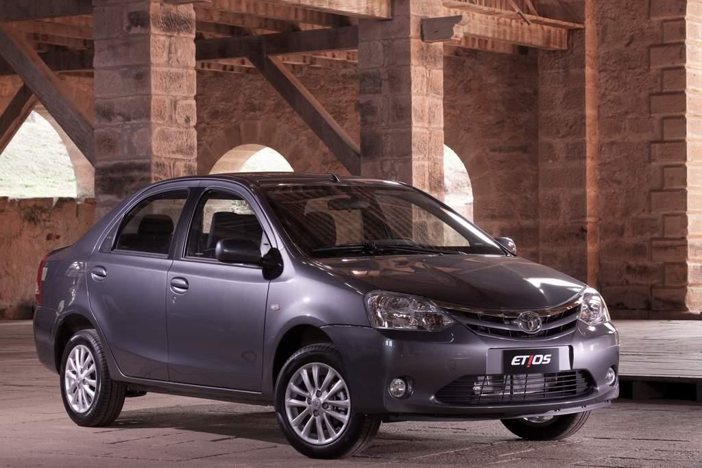 Toyota Etios Preco De R E Consumo De Km L De Alcool
