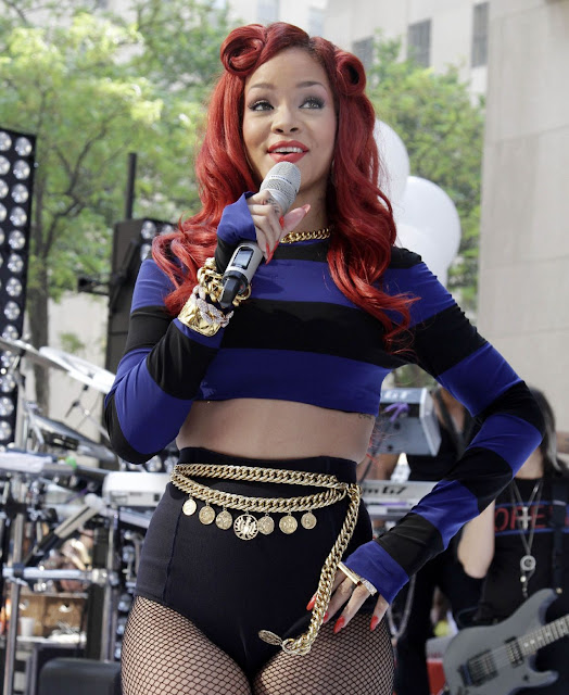 Rihanna Performs On NBC&#8217;s &#8220;Today&#8221; 2011 Stage Photos