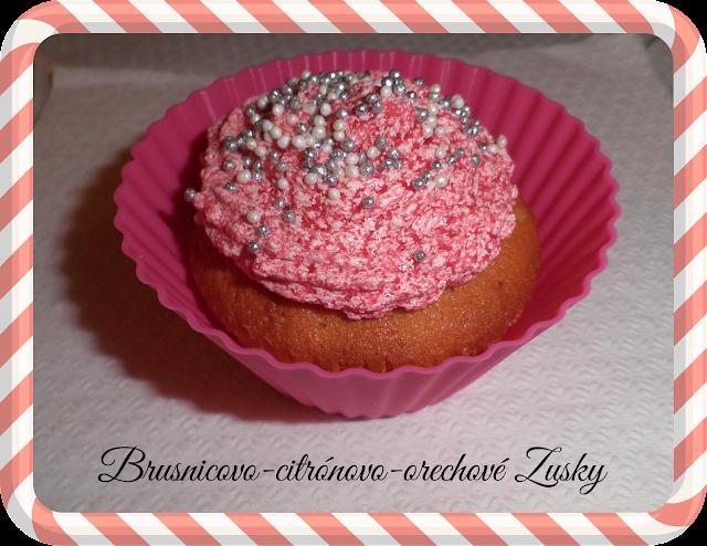 Brusnicovo-citrónovo-orechové Zusky (cupcakes)