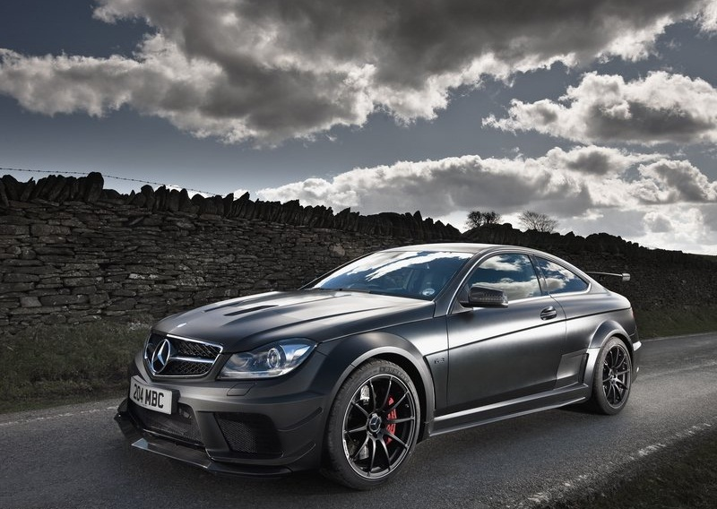 Sport car garage mercedes benz c63 amg coupe black series for Sports car mercedes benz