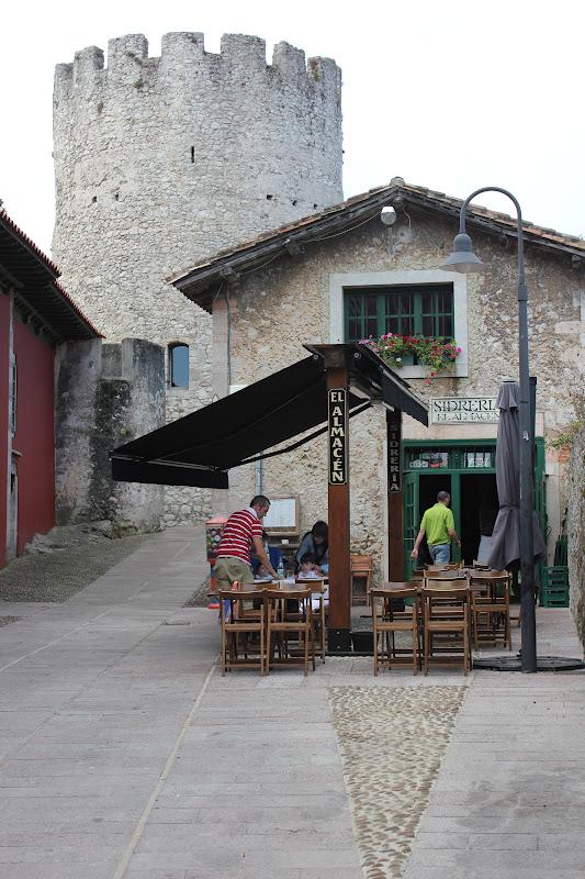 Fotografiando paseo por llanes viaje a asturias for Oficina turismo llanes