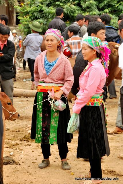 Trépidant au marché de boeuf à Bao Lam - Photo An Bui