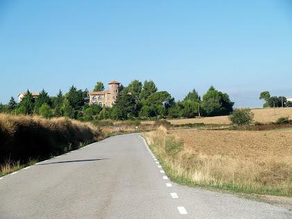 La Torre del Boixader des de la carretera de L'Espunyola