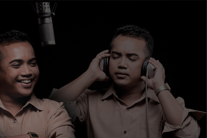 Ezad & Iva - Dua Insan MP3