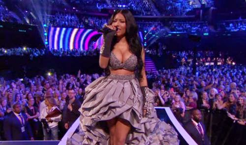 emas-2014 Nicki Minaj the best show of all time