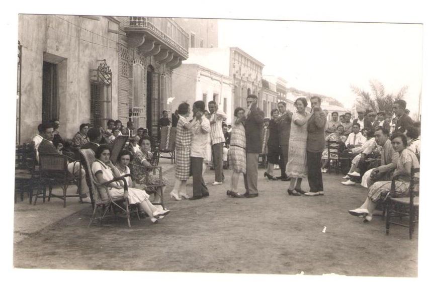los bailes en el paseo , años 20