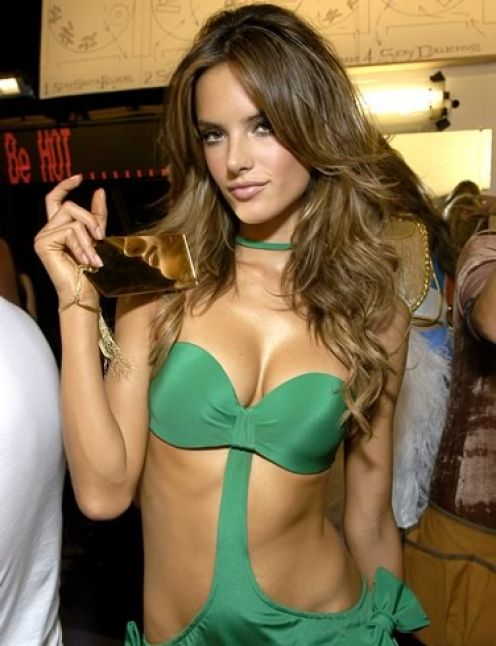 Super Model Alessandra Ambrosio hot Photo Gallery
