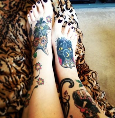 woman tattoo,tattoo foot gilr,tattooed girl foot,
