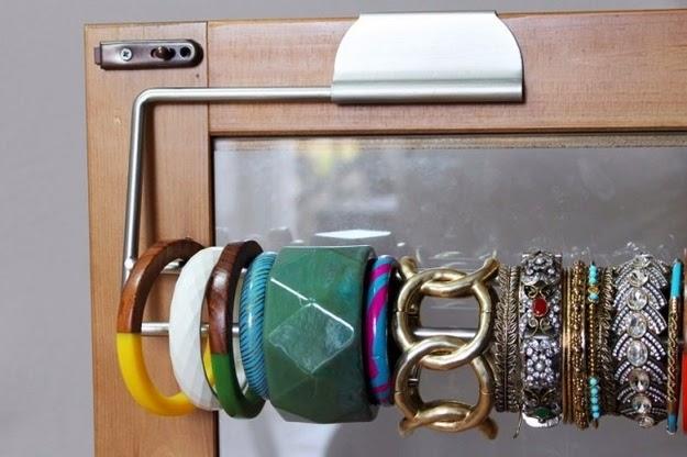 http://www.buzzfeed.com/readcommentbackwards/42-creative-diy-hacks-to-improve-your-home-dmjk?sub=2678828_1820256