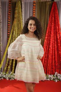 Kangana Ranaut Wearing Strang Short dress to promote her movie Tanu Weds Manu 2