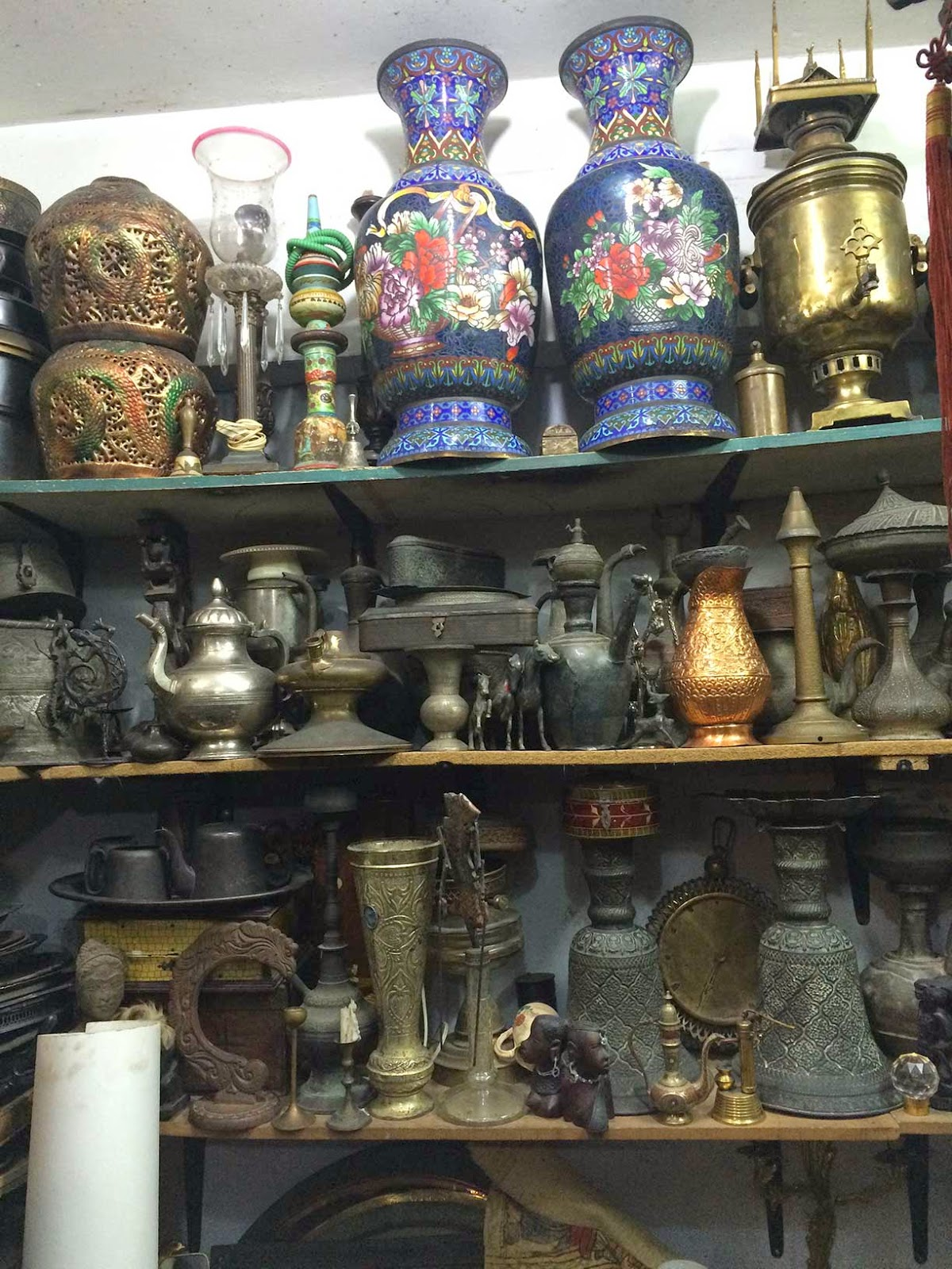 vases pots carvings statues antiques