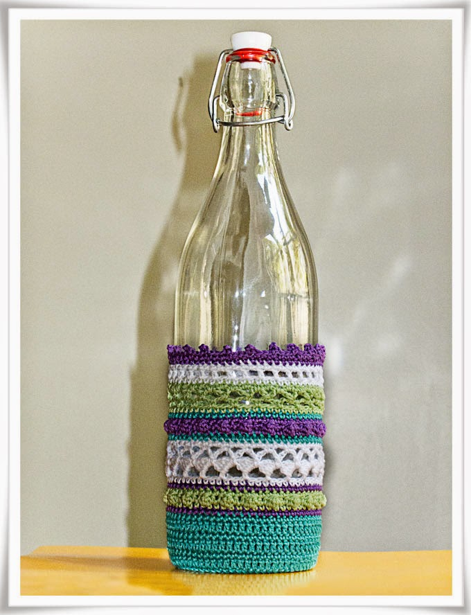 Flaska med virkat överdrag