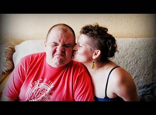 http://aniatestujeprodukty.blogspot.com/2013/10/podziekuj-nie-badz-samolubem.html