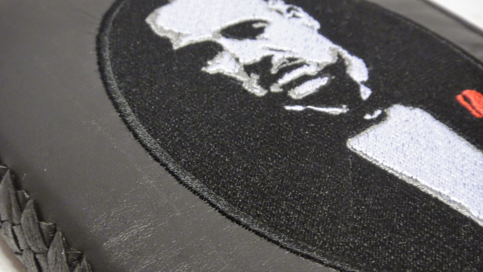 Портрет Дона Карлеоне - компьютерная вышивка на заказ по рисунку или фото