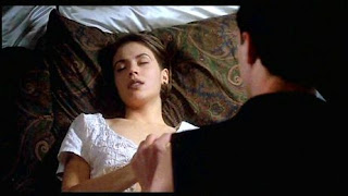 Alyssa Milano Embrace of the Vampire 1995 movieloversreviews.blogspot.com
