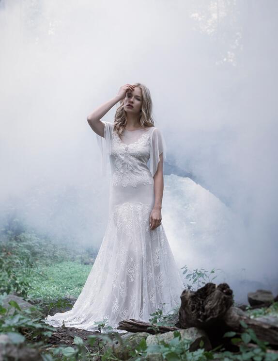 http://www.rosanovias.com.au/elegant-illusion-bateau-neck-flroal-lace-pattern-fit-flared-lace-wedding-dress-p-21790.html