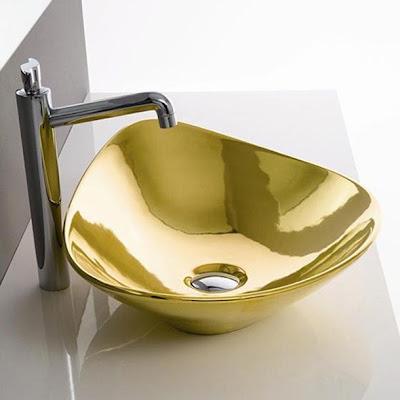 Gold-Decorative-Bathroom-Faucets