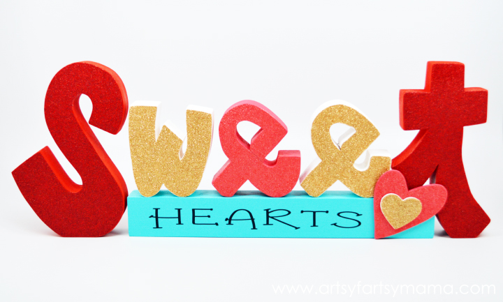 Sweet Hearts Word Set at artsyfartsymama.com #Valentines #WoodCreations
