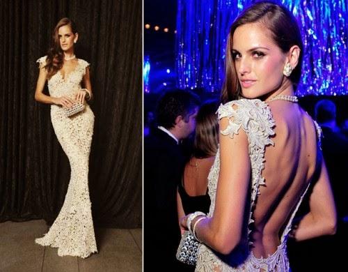 modelo de vestido de renda longo branco com costas abertas - dicas e fotos