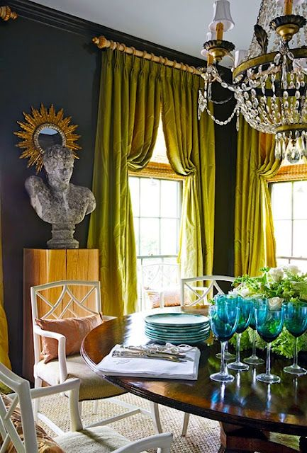 Italian Stringing Molto Bella On Pinterest Green Couches Curtains And Yellow Walls