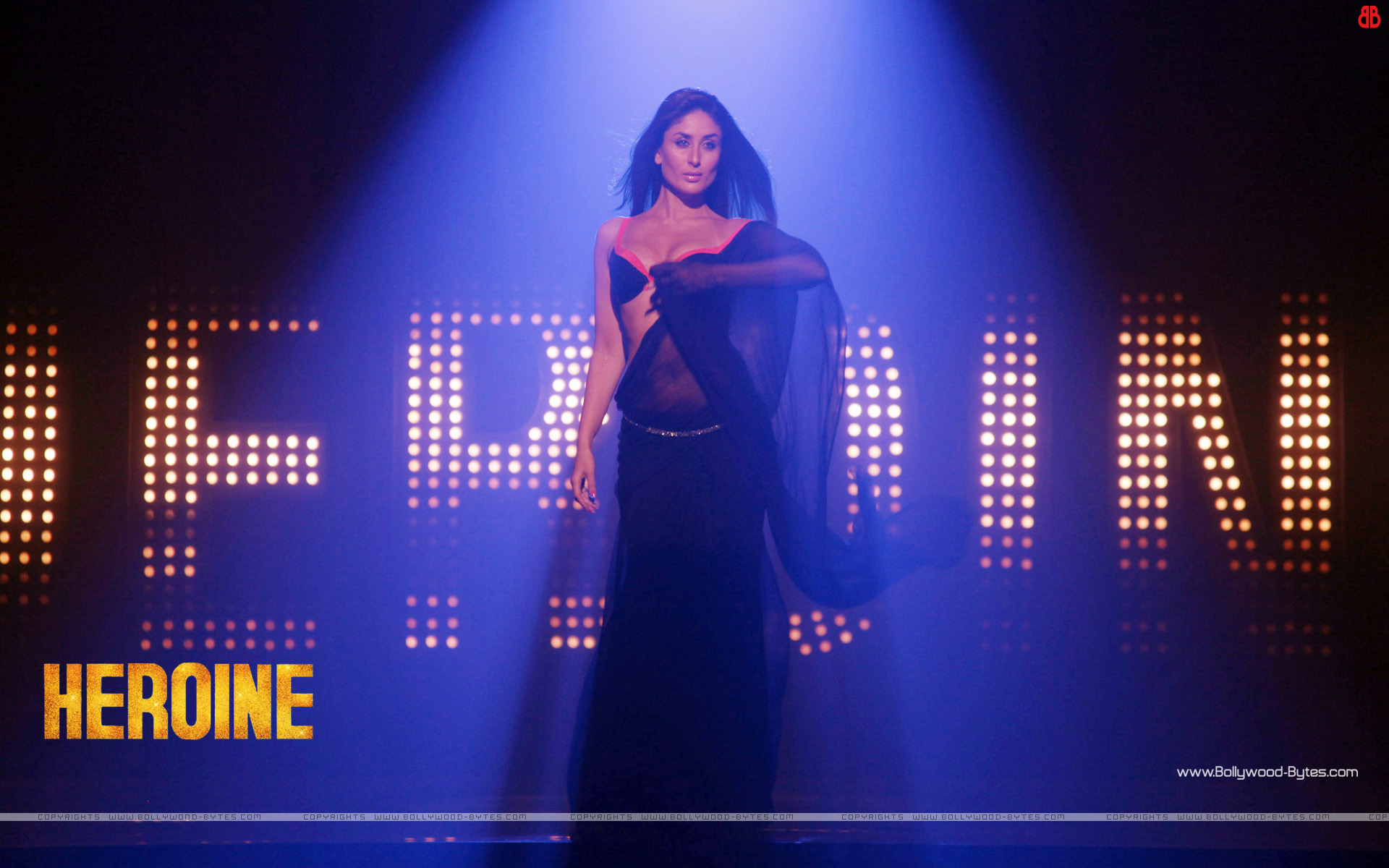 http://3.bp.blogspot.com/-SMqZWDFVSwQ/UFihUSRx7QI/AAAAAAAAPP4/eWyqX_s2wxY/s1920/Heroine-super-Kareena-Kapoor-HD-Wallpaper-11.jpg