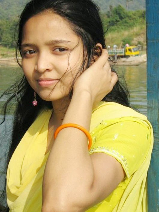 Beautiful Desi College Girl Pictures