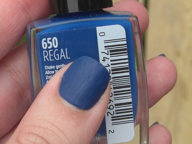 Sally Hansen Regal, Sally Hansen Velvet Texture Regal