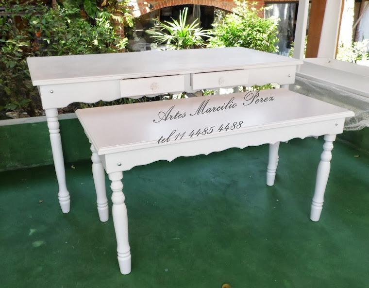 mesa torneada com gavetas