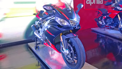 Aprilia-RSV4-at-Mysore-Auto-Expo