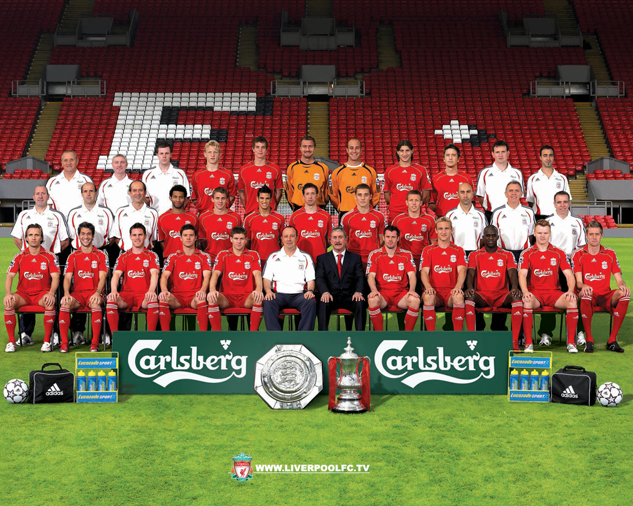 http://3.bp.blogspot.com/-SNAVOwJFlBY/TyUbGlBYOvI/AAAAAAAAAH0/D0-IAOMQgBI/s1600/Liverpool-Football-Club-Team-HD-Wallpaper.jpg