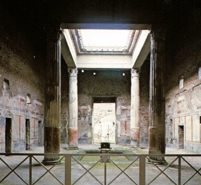 Ipat2013 alejandromart nezfern ndez grupoa la casa romana for Piani di casa con atrio in centro